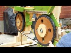 Roll in saw guide bearings